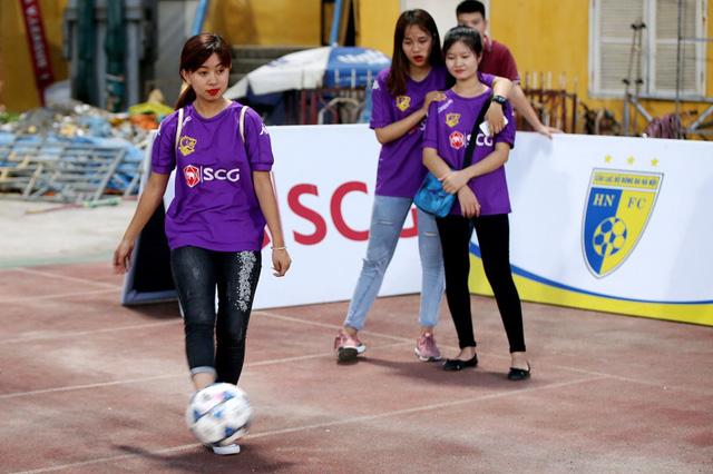 CLB Hà Nội chào đón người hâm mộ trở lại sân Hàng Đẫy với diện mạo hoàn toàn mới - Ảnh 5.