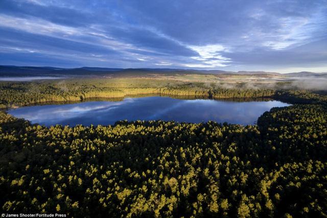 Cảnh mùa thu tuyệt đẹp ở Scotland nhìn từ trên cao - Ảnh 5.