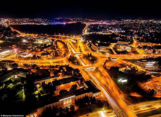 Litva đẹp ngỡ ngàng với góc chụp từ trên cao - Ảnh 11.