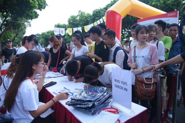 Người dân Hà Nội hứng khởi với Ngày hội bóng đá đường phố lần đầu tiên trên phố đi bộ - Ảnh 8.