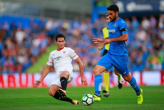 Martial, Sterling lọt vào đội hình tiến bộ nhất châu Âu đầu mùa giải này - Ảnh 8.