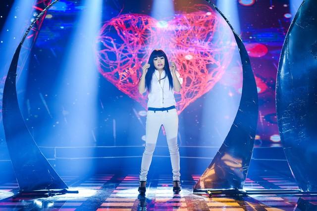 Phương Thanh biến hóa với hình ảnh công chúa trong Âm nhạc và Bước nhảy - Ảnh 2.