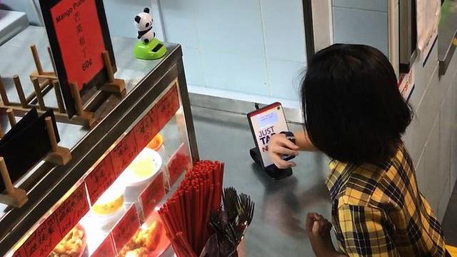 Đồng hồ đeo tay thông minh cho học sinh tiểu học ở Singapore - Ảnh 2.