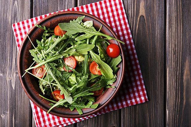 10 loại rau có ít calo nhưng giá trị dinh dưỡng rất cao - Ảnh 2.