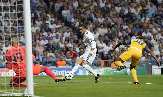 Kết quả bóng đá Champions League sáng 14/9: Liverpool bị chia điểm, Real, Man City thắng nhàn - Ảnh 5.
