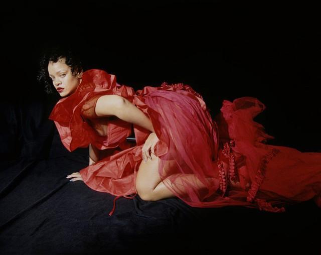 Rihanna u ám trên Dazed - Ảnh 9.