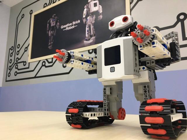 """Trường THCS Nguyễn Văn Tố ra mắt sân chơi khoa học """"VESA Robotics Club"""" - Ảnh 1."""