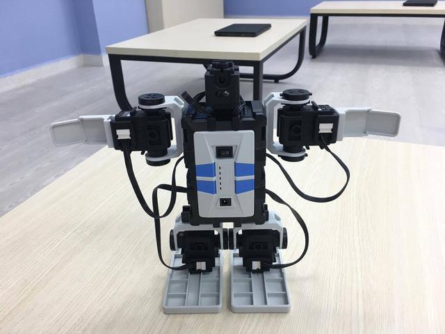 """Trường THCS Nguyễn Văn Tố ra mắt sân chơi khoa học """"VESA Robotics Club"""" - Ảnh 2."""