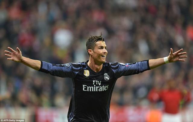 ĐHTB tứ kết lượt đi Champions League: Ấn tượng ngựa vằn Juventus! - Ảnh 11.