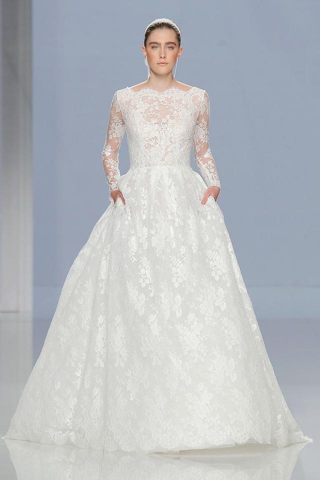 Mê mẩn những mẫu váy cưới vừa đơn giản, vừa sang chảnh - Ảnh 5.