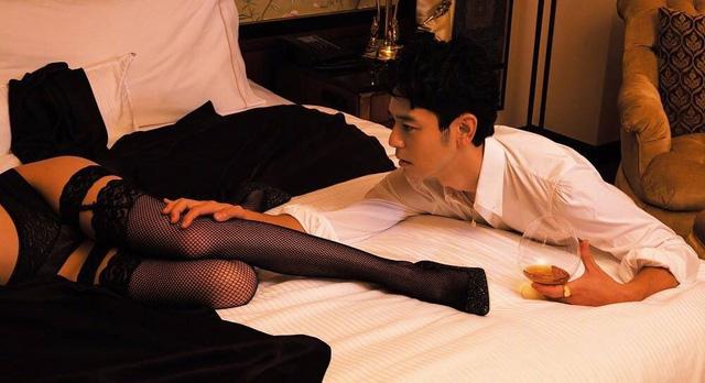 Bạn gái cũ của G-Dragon hở bạo bên bạn diễn người Nhật - Ảnh 6.