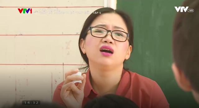 PTL Thầy cô chúng ta đã thay đổi: Sự lột xác của cô giáo Hiền Lương với ánh nhìn hình viên đạn - Ảnh 3.