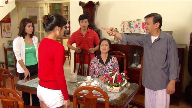 Phim Hoa hồng mua chịu - Tập 3: Không được bố cho tiền, Phương (Thu Quỳnh) quyết bỏ nhà ra đi - Ảnh 8.