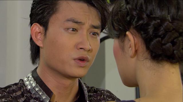 Phim Giao mùa - Tập 11: Vừa mới chia tay bạn trai, Hòa (MC Thanh Huyền) lại định cặp kè với Toàn (Công Dũng) - ảnh 2