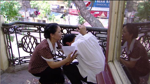 Phim Giao mùa - Tập 33: Vừa cưới Trung (Tiến Lộc), Hòa (Thanh Huyền) đã muốn ngoại tình với Toàn (Công Dũng) - Ảnh 2.