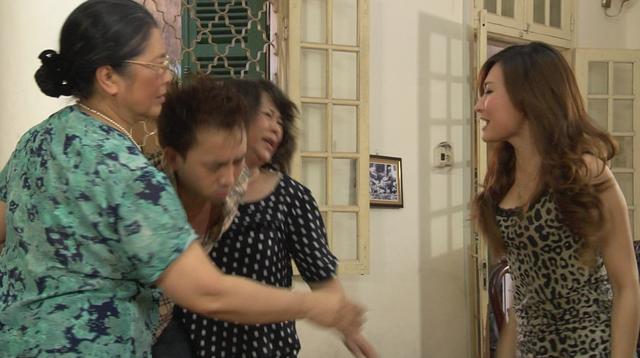 Phim Giao mùa - Tập 33: Vừa cưới Trung (Tiến Lộc), Hòa (Thanh Huyền) đã muốn ngoại tình với Toàn (Công Dũng) - Ảnh 5.