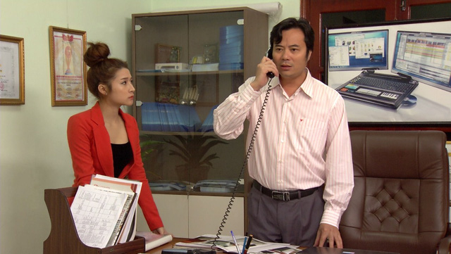 Phim Hoa hồng mua chịu - Tập 17: Phương (Thu Quỳnh) ngày càng làm ăn phát đạt - Ảnh 5.