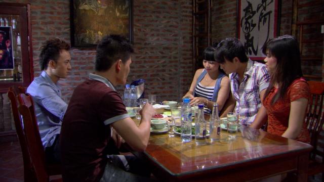 Phim Giao mùa - Tập 32: Trung bị lừa mất hết tiền, Hòa cả giận mất khôn - Ảnh 4.
