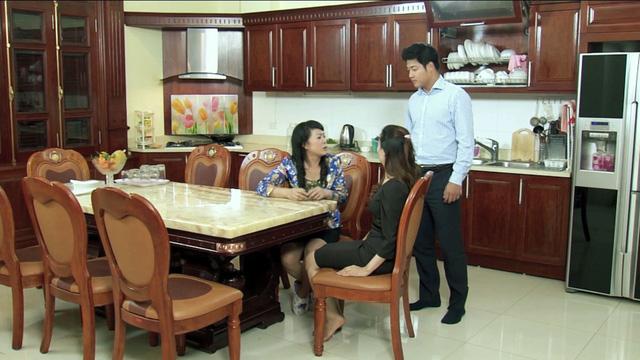 Phim Hoa cỏ may - Tập 14: Đan (Hạnh Sino) khiến mẹ Thái (Hải Anh) hết hồn vì tài nấu nướng - Ảnh 1.