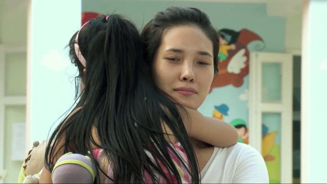 Phim Hoa cỏ may - Tập 10: Na (Nguyệt Hà) quyết tâm giữ kín chuyện mắc bệnh ung thư - Ảnh 7.