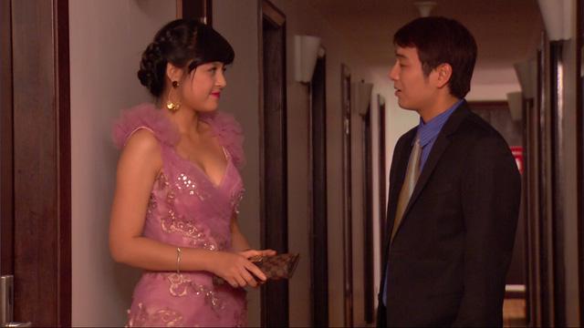Phim Hoa hồng mua chịu - Tập 16: Phương (Thu Quỳnh) lọt mắt xanh của một đại gia - Ảnh 11.