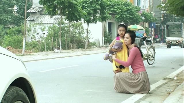 Phim Hoa cỏ may - Tập 14: Đan (Hạnh Sino) khiến mẹ Thái (Hải Anh) hết hồn vì tài nấu nướng - Ảnh 10.
