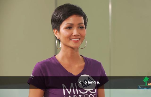 Loạt người đẹp Hoa hậu Hoàn vũ Việt Nam 2017 vò đầu bứt tai vì phải nói tiếng Anh - Ảnh 2.