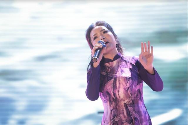 Dàn ca sĩ nổi tiếng góp giọng vì người nghèo nối dài Vòng tay nhân ái - Ảnh 7.