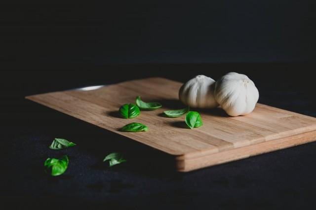 Những loại thực phẩm ăn nhiều khiến cơ thể bạn ám mùi - Ảnh 7.