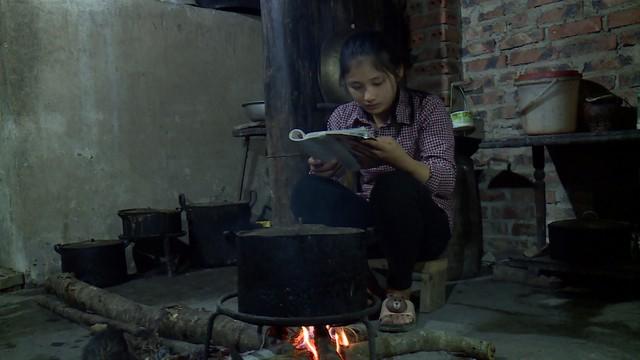 Trao tặng 20 suất học bổng cho học sinh nghèo tại Cao Bằng - Ảnh 4.