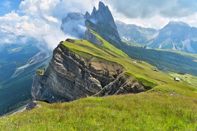Mùa hè tuyệt đẹp trên dãy núi Alps - Ảnh 9.