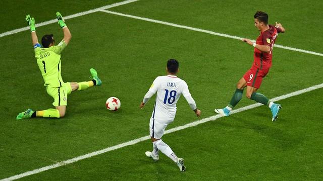 Cúp liên đoàn các châu lục 2017: ĐT Chile vào chung kết sau loạt luân lưu - Ảnh 2.