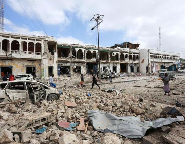 Somalia: Tấn công khách sạn ở Thủ đô Mogadishu, ít nhất 13 người thiệt mạng - Ảnh 2.