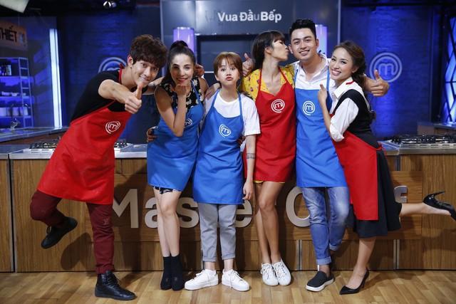 Đêm tiệc cùng sao lên sóng, Xuân Bắc ca hát trong Ban nhạc Việt - Ảnh 5.