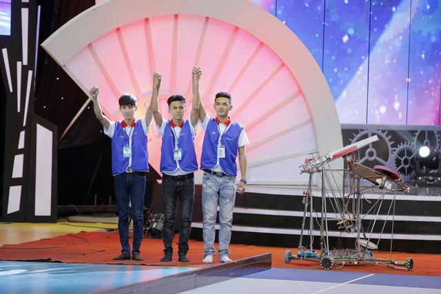 VCK Robocon Việt Nam 2017: Nhìn lại những hình ảnh ở hai bảng đấu tử thần - Ảnh 2.