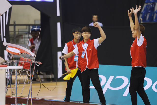 VCK Robocon Việt Nam 2017: Nhìn lại những hình ảnh tại hai bảng đấu tử thần - Ảnh 6.