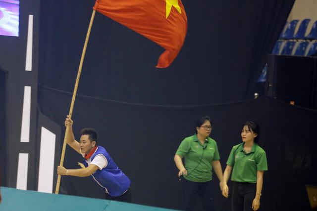 Nhìn lại khoảnh khắc đăng quang của tân vương Robocon Việt Nam 2017 - Ảnh 9.