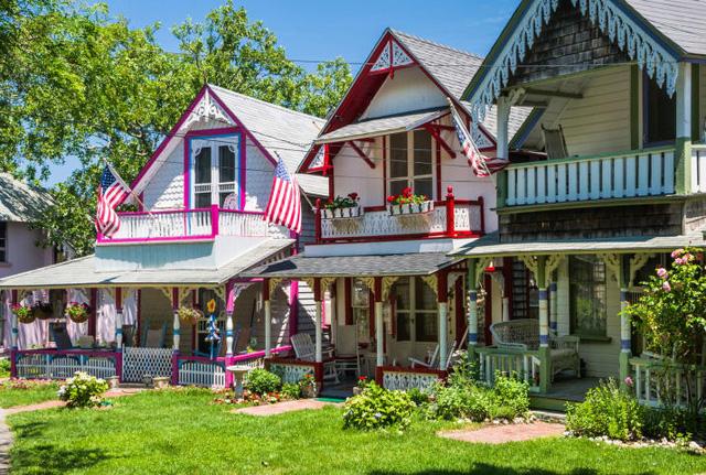 Cửa Vạn ở Hạ Long lọt top 22 thị trấn, ngôi làng có khung cảnh đẹp như mơ - Ảnh 3.