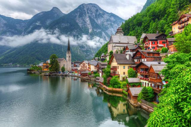 Cửa Vạn ở Hạ Long lọt top 22 thị trấn, ngôi làng có khung cảnh đẹp như mơ - Ảnh 13.