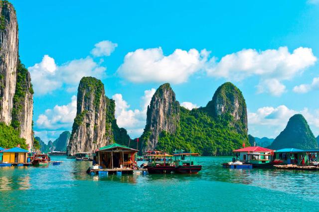 Cửa Vạn ở Hạ Long lọt top 22 thị trấn, ngôi làng có khung cảnh đẹp như mơ - Ảnh 7.
