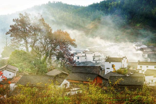Cửa Vạn ở Hạ Long lọt top 22 thị trấn, ngôi làng có khung cảnh đẹp như mơ - Ảnh 11.