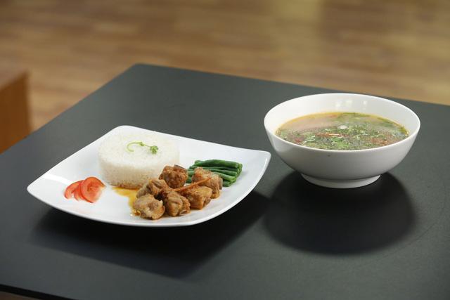 Vua đầu bếp 2017: Pha Lê giành chiến thắng thuyết phục với bữa cơm gia đình - Ảnh 2.