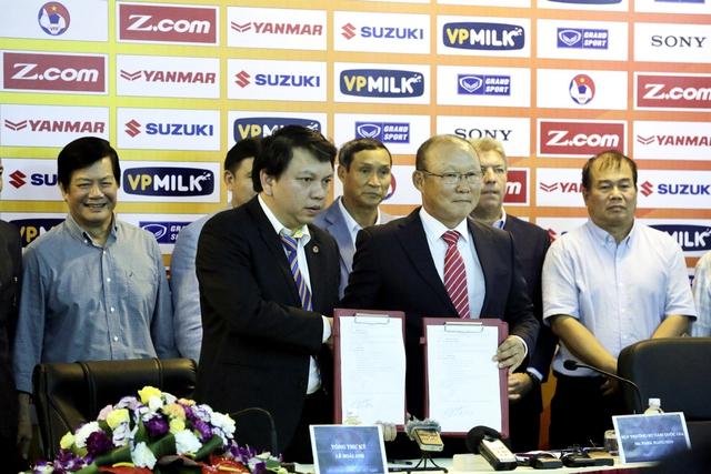 Ông Park Hang Seo chính thức trở thành tân HLV trưởng ĐT Việt Nam và U23 Việt Nam - Ảnh 1.