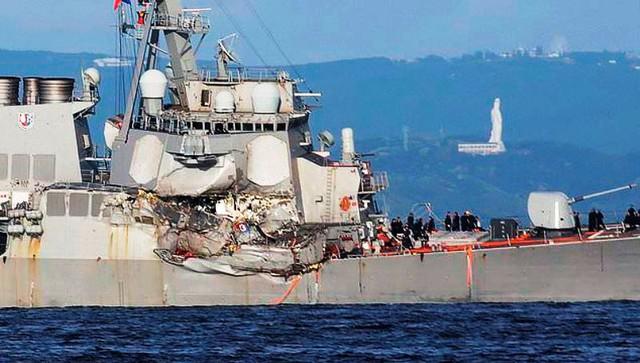 Tìm thấy thi thể các binh sĩ Mỹ trong vụ va chạm tàu khu trục - Ảnh 3.