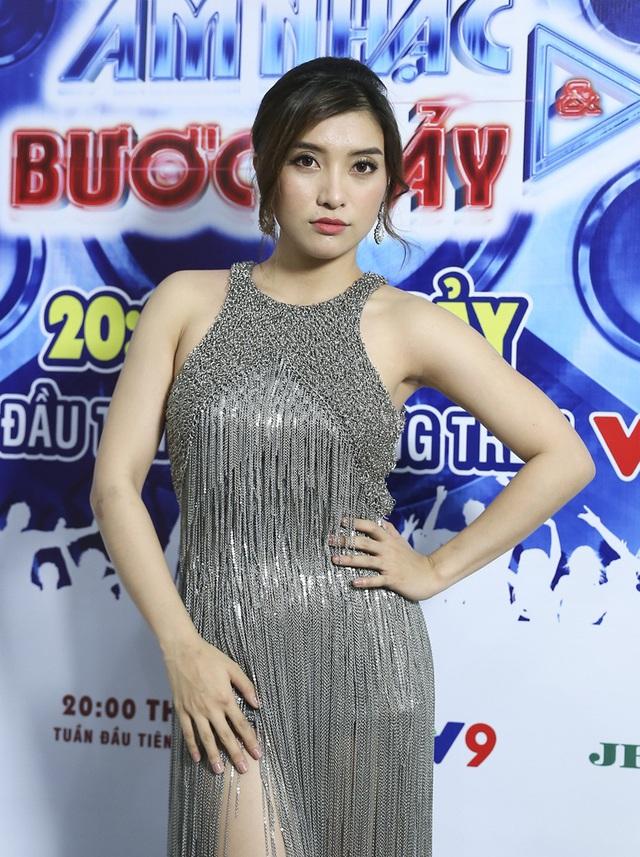 Phương Trinh Jolie, Tiêu Châu Như Quỳnh khoe vũ đạo nóng bỏng trong Âm nhạc & Bước nhảy - Ảnh 3.