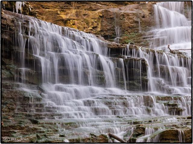 Ngắm thiên đường thác nước ảo diệu tại Hamilton - Ảnh 3.