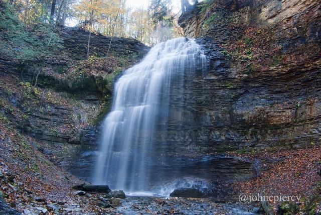 Ngắm thiên đường thác nước ảo diệu tại Hamilton - Ảnh 8.