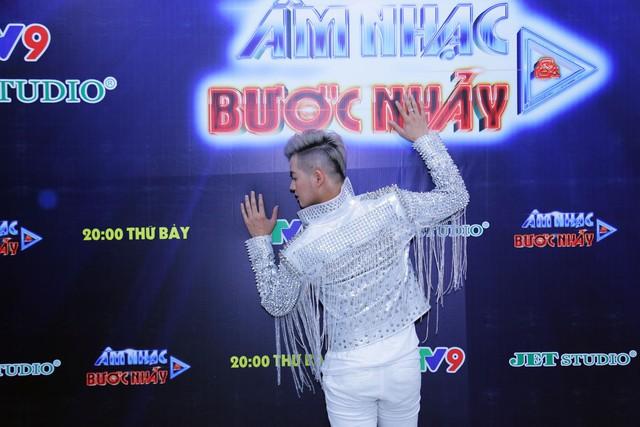 Âm nhạc và Bước nhảy: Thanh Duy Idol tạo dáng bá đạo như mỹ nhân Hàn Quốc - Ảnh 6.