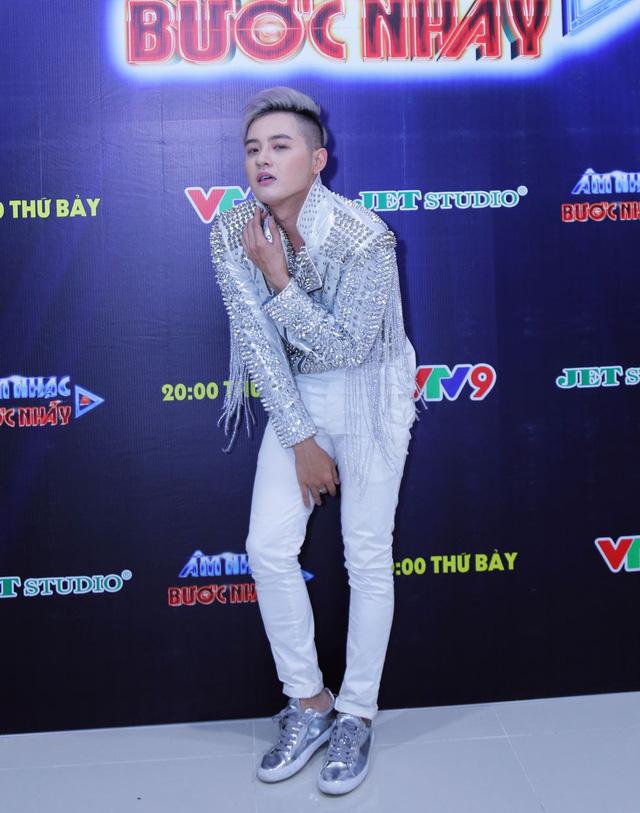 Âm nhạc và Bước nhảy: Thanh Duy Idol tạo dáng bá đạo như mỹ nhân Hàn Quốc - Ảnh 3.