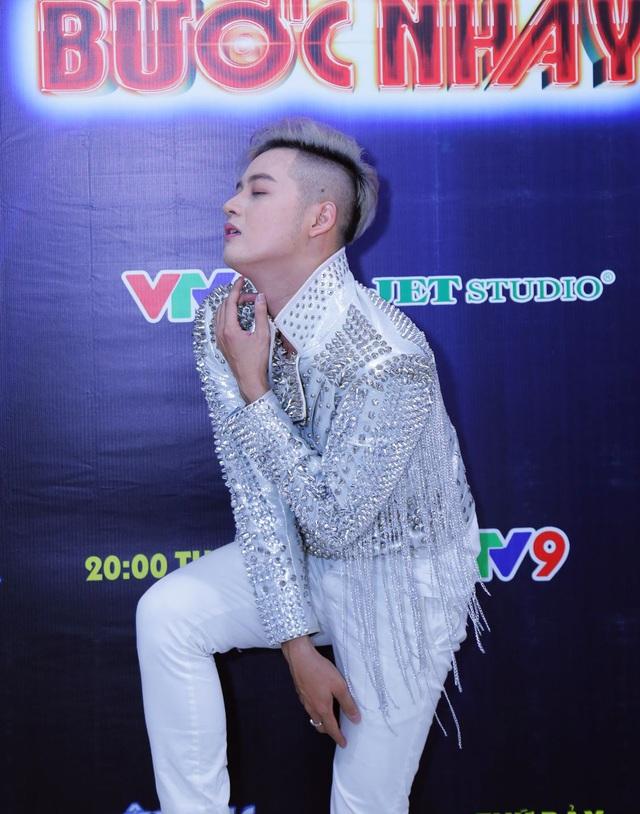 Âm nhạc và Bước nhảy: Thanh Duy Idol tạo dáng bá đạo như mỹ nhân Hàn Quốc - Ảnh 2.